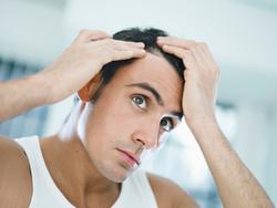 Sex presenter till pojkvännen som indikerar att han kanske borde bry sig mer om sitt utseende