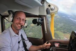 "Test av upplevelsen ""Spaka Själv"" - flyga sportflygplan"