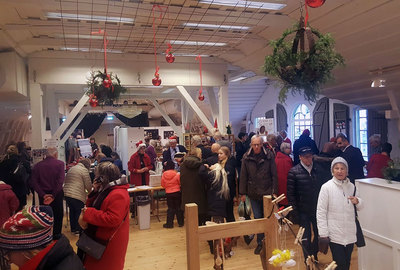 Foto från Botkyrka-Salems hemslöjdsförenings julmarknad