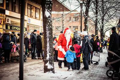 Foto från Julmarknad och skyltsöndag i Skellefteå