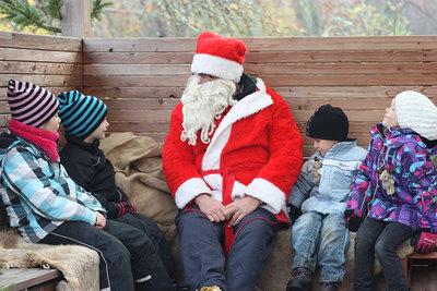 Foto från Julmässan i Skäftekärr
