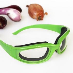 Onion goggles present