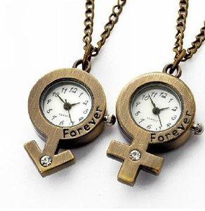 Matchande halsband med klockor