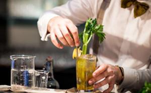 Cocktailprovning för två