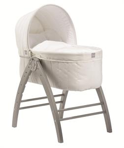 Snygg vit babysäng